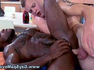 Check bareback white dick in black ass