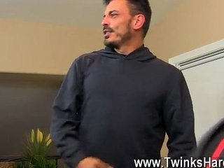 Gay jocks Muscled daddy Collin enjoys to get a tiny nasty now and