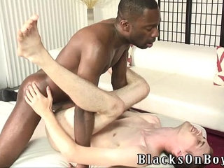 Bareback addict white guy getting assfucked by a black dude