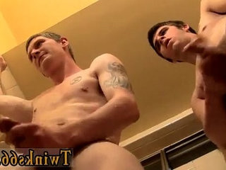 Twinks XXX Room For Another Pissing Boy?