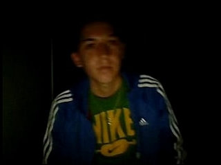 Jose Miguel, flaitecito con ceja depilada se pajea en webcam