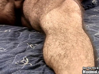 Latino Ex Marine Jacks Penis in Hotel