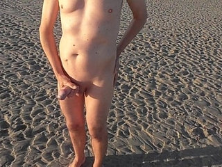 Public piss and jerk off at the beach ...