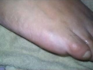 cum on my sleeping wifes foot